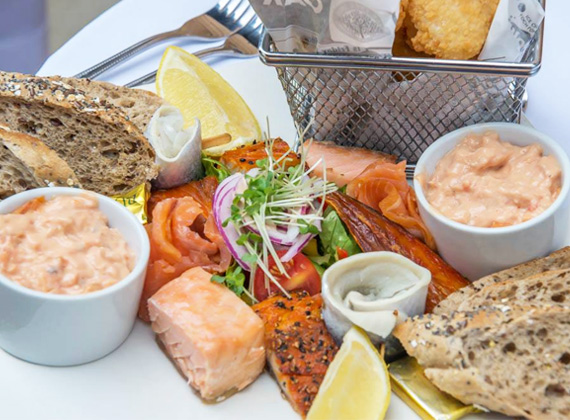 Designed for sharing - The Oak Tree fish platter
