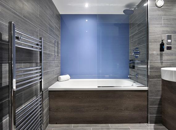 Standard Bathroom with Bath